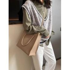 На фото 1 - Сумка-пакет женская из натуральной кожи, цвет бежевый