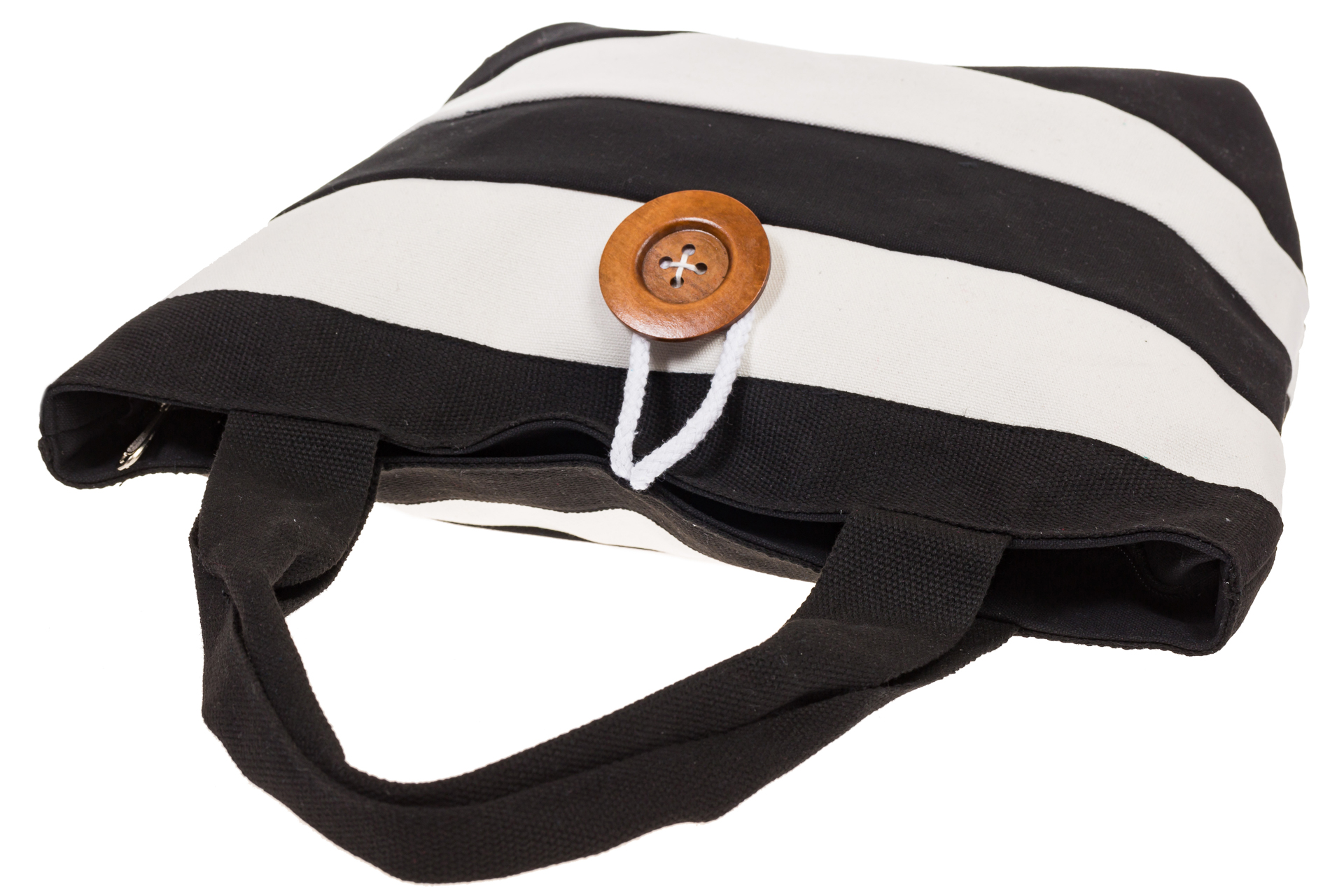 На фото 4 - Пляжная сумка в черно-белую полоску 6216