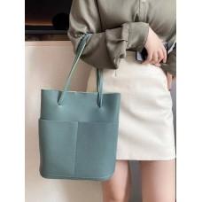 На фото 1 - Мягкая сумка из натуральной кожи, цвет светло-зеленый