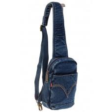 На фото 1 - Сумка из синей джинсовой ткани слинг-бэг