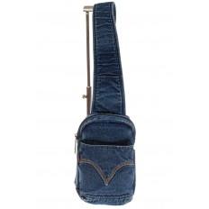 На фото 2 - Сумка из синей джинсовой ткани слинг-бэг