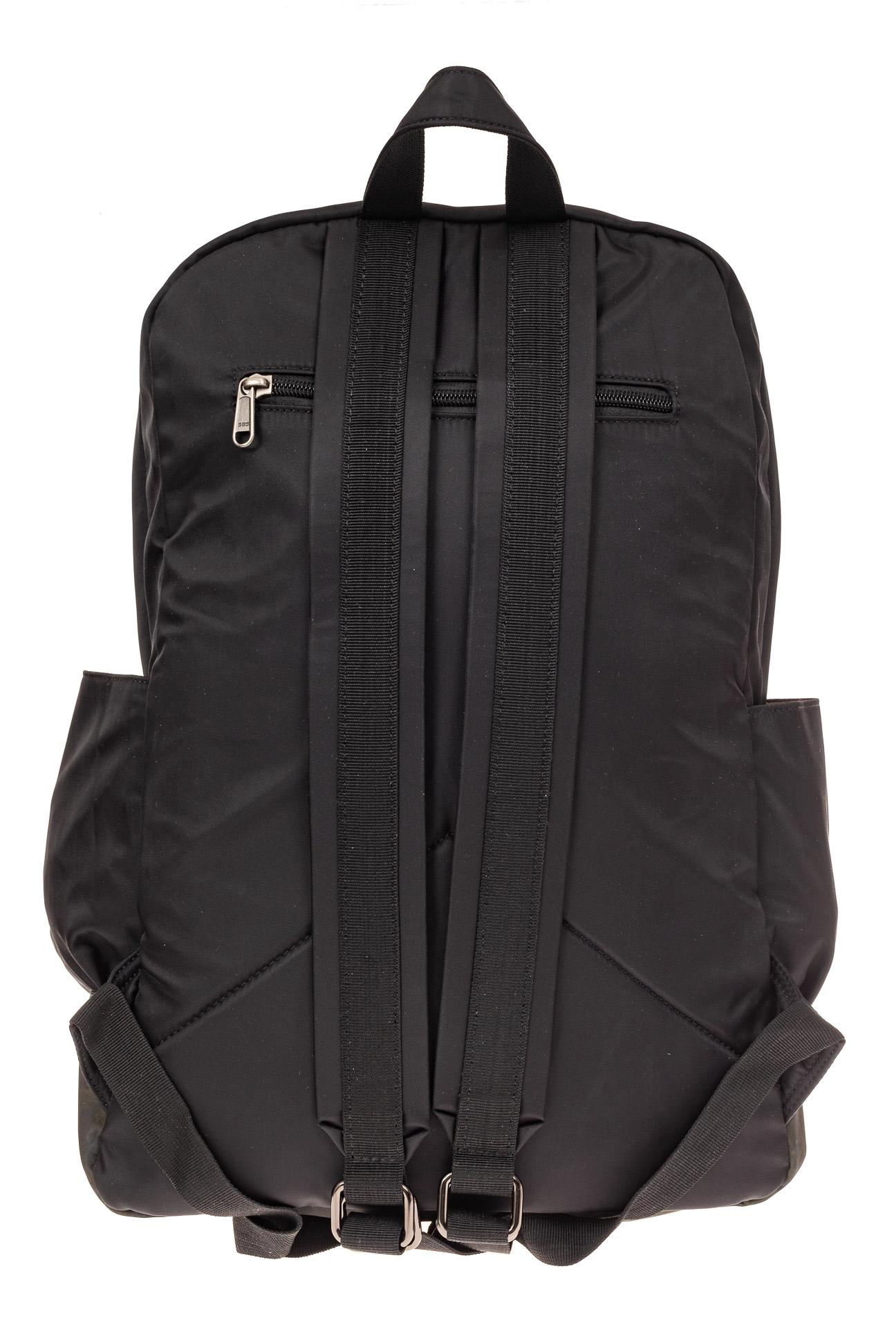На фото 3 - Мужской рюкзак для города, цвет черный