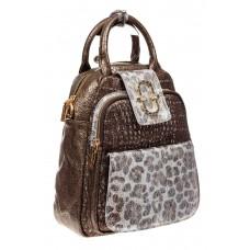 На фото 1 - Блестящий женский рюкзак из кожи с эффектом патины, цвет бронза