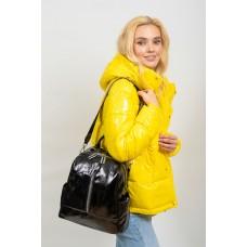 На фото 1 - Рюкзак-трансформер женский из лакированной экокожи, цвет чёрный