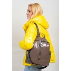На фото 1 - Рюкзак-трансформер женский из лакированной экокожи, цвет серо-сиреневый