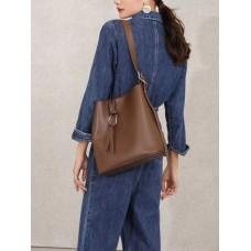 На фото 1 - Женская сумка из натуральной кожи, цвет шоколад