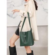 На фото 1 - Женская сумка из натуральной кожи, цвет зеленый