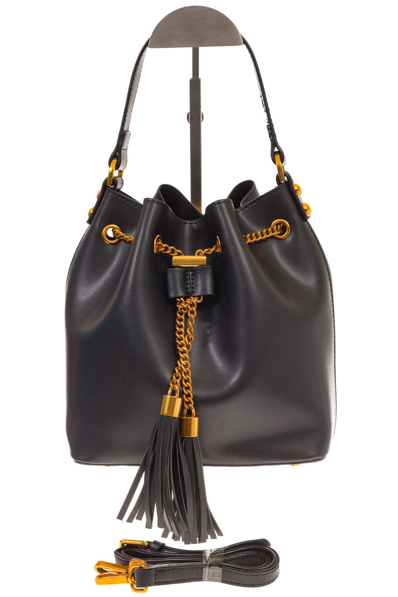 На фото 2 - Женская сумка-торба черного цвета из эко-кожи 68065