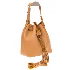 На фото 1 - Женская сумка-торба бежевого цвета из эко-кожи 68065