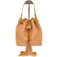 На фото 2 - Женская сумка-торба бежевого цвета из эко-кожи 68065