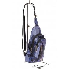 На фото 1 - Молодёжный слинг с принтом камуфляж, цвет индиго
