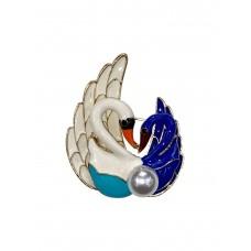 На фото 1 - Эмалированная брошь в виде пары лебедей с жемчугом