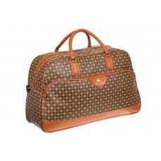 На фото 1 - Дорожная сумка из искусственной кожи, цвет коричневый с принтом