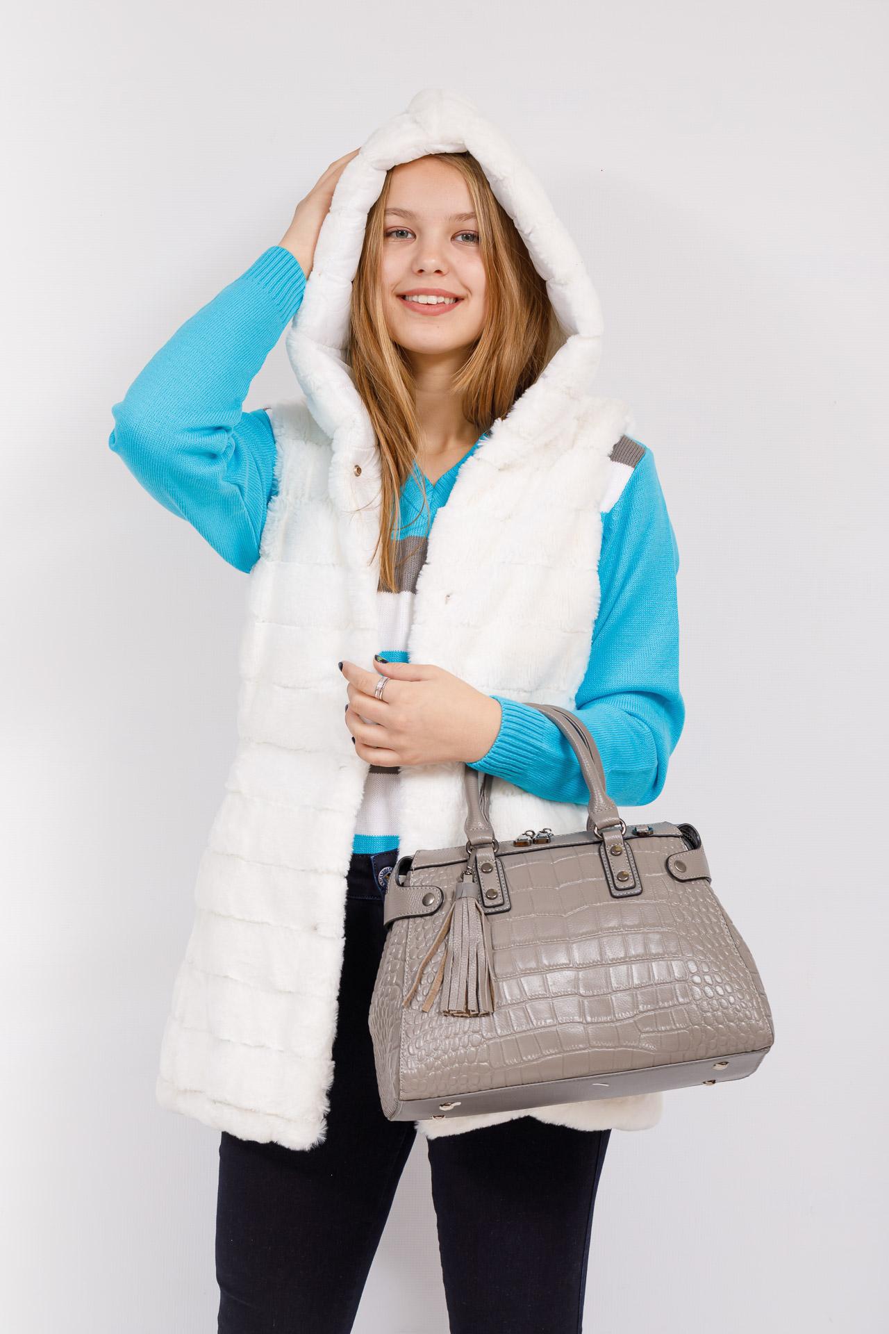 На фото 4 - Классическая женская сумка из натуральной кожи, цвет серый