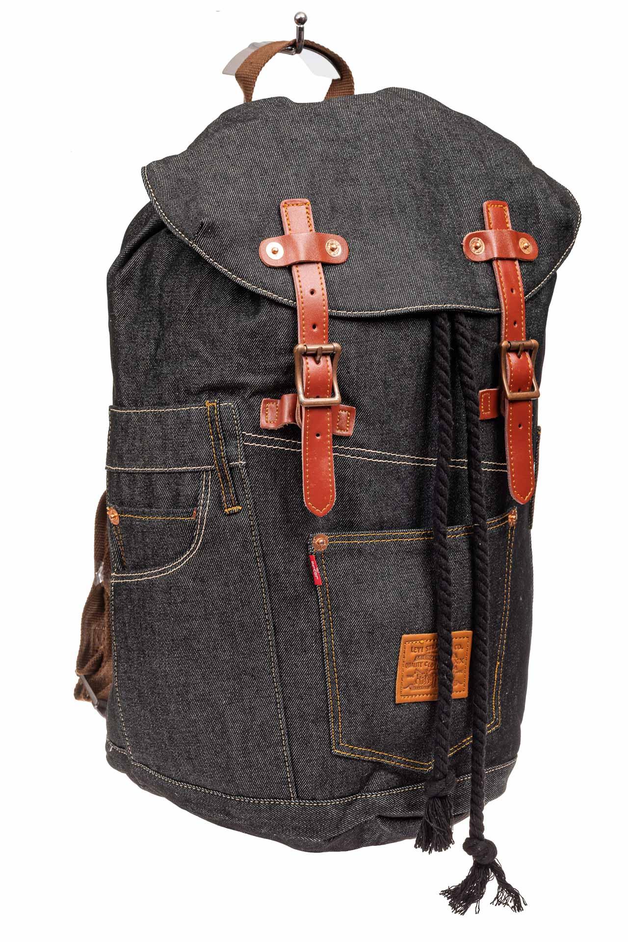 На фото 1 - Городской рюкзак мужской из джинсовой ткани, цвет темно-серый