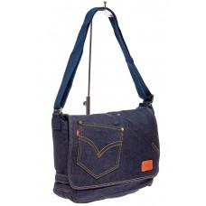 На фото 1 - Сумка почтальонка из джинсы, цвет синий