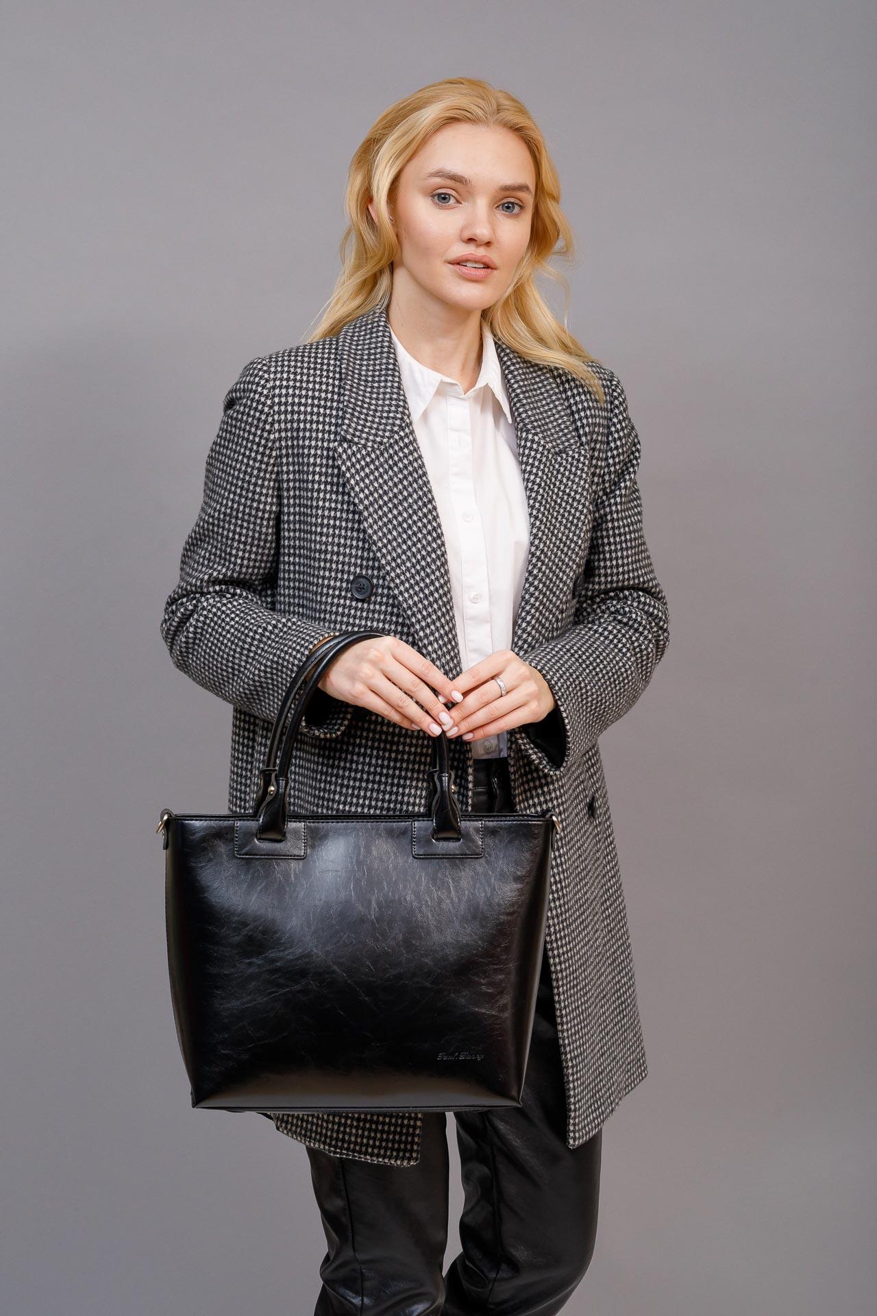 На фото 5 - Кожаная сумка-тоут, цвет коричневый