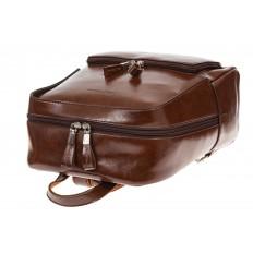 На фото 4 - Коричневый рюкзак из натуральной кожи, модель для женщин