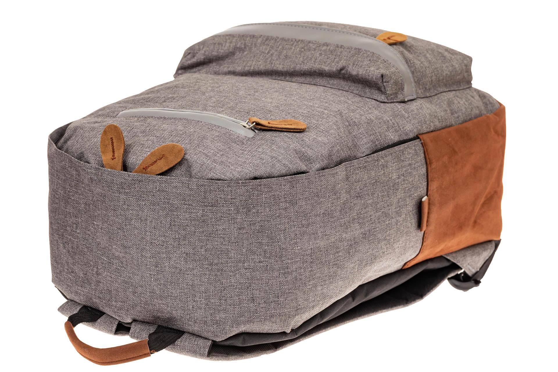 На фото 4 - Большой мужской рюкзак для города, цвет серый