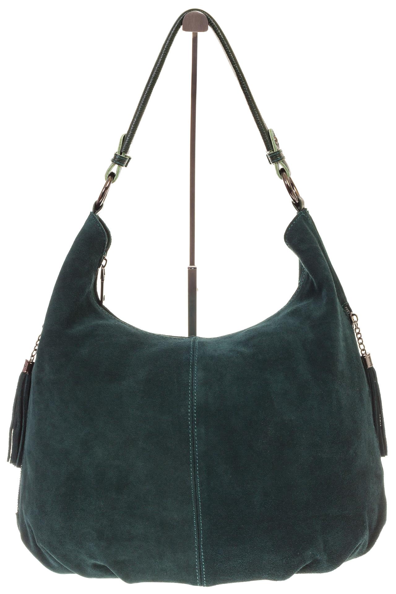 На фото 2 - Зеленая сумка hobo из замши с боковыми карманами
