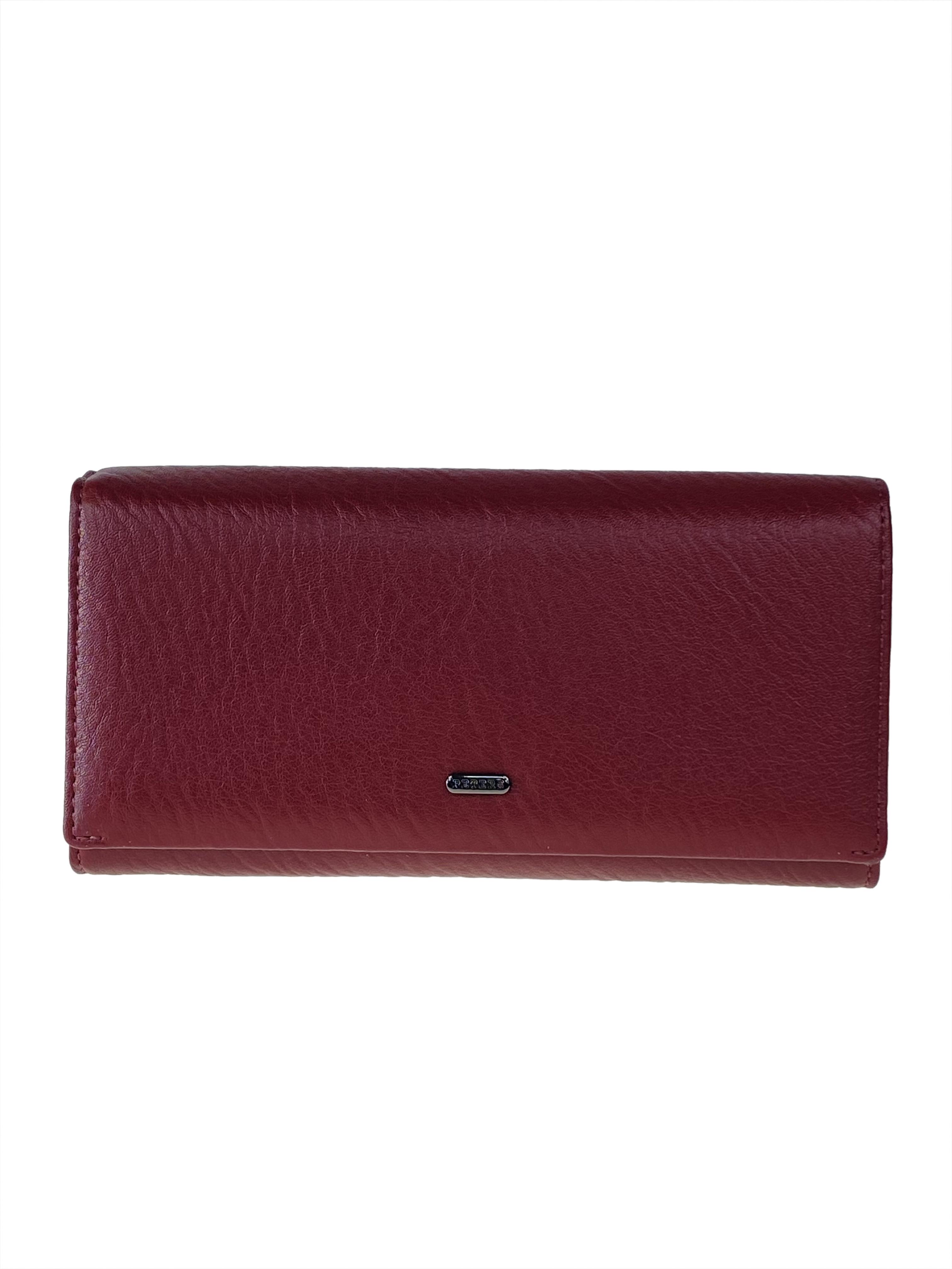 На фото 1 - Женское портмоне из мягкой натуральной кожи, цвет бордовый