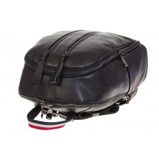 На фото 4 - Кожаный рюкзак черного цвета для женщин 7112