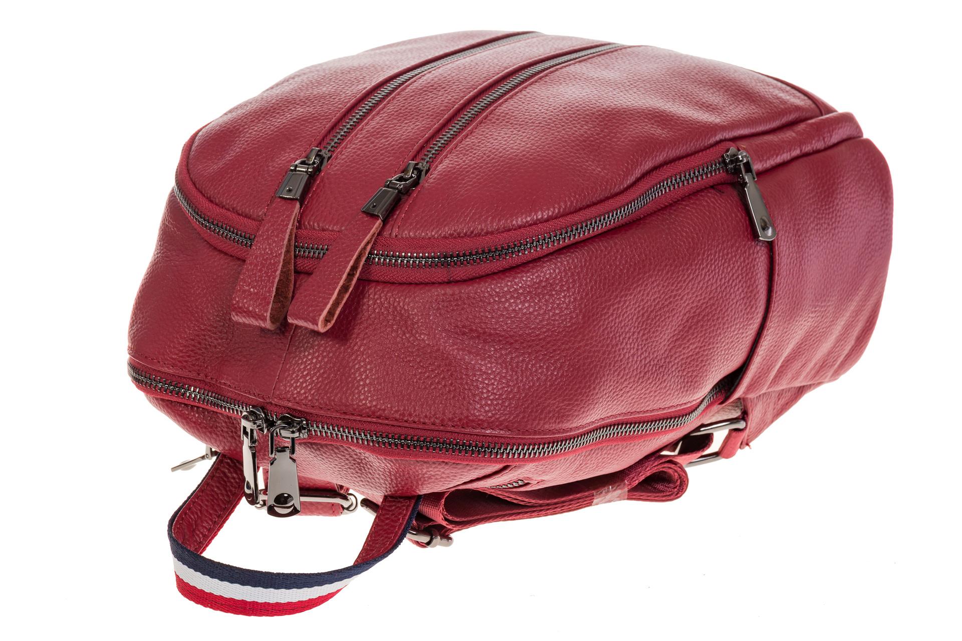 На фото 4 - Кожаный рюкзак бордового цвета для женщин 7112