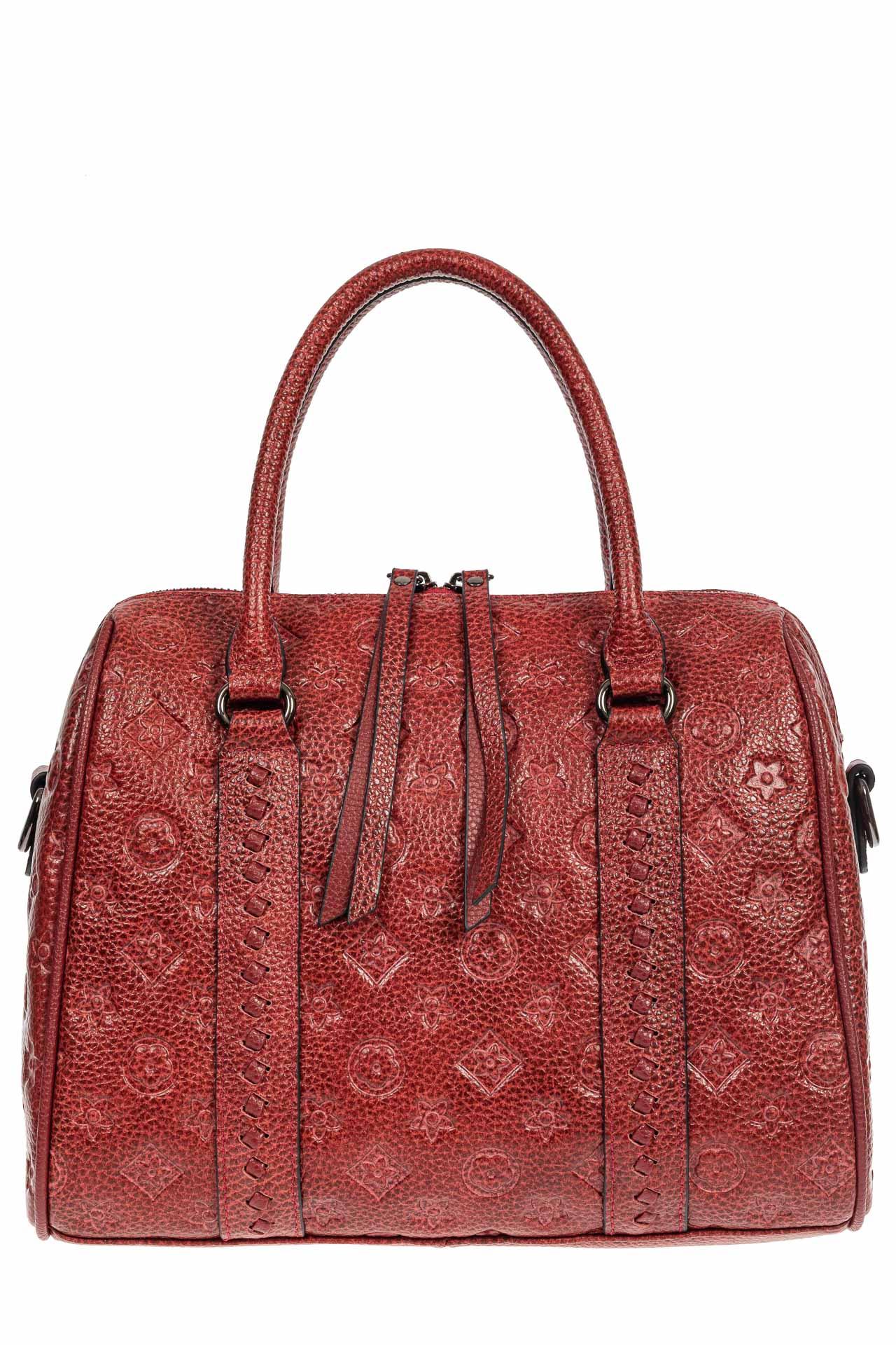 На фото 2 - Кожаная женская сумка с тиснёным принтом, цвет красный