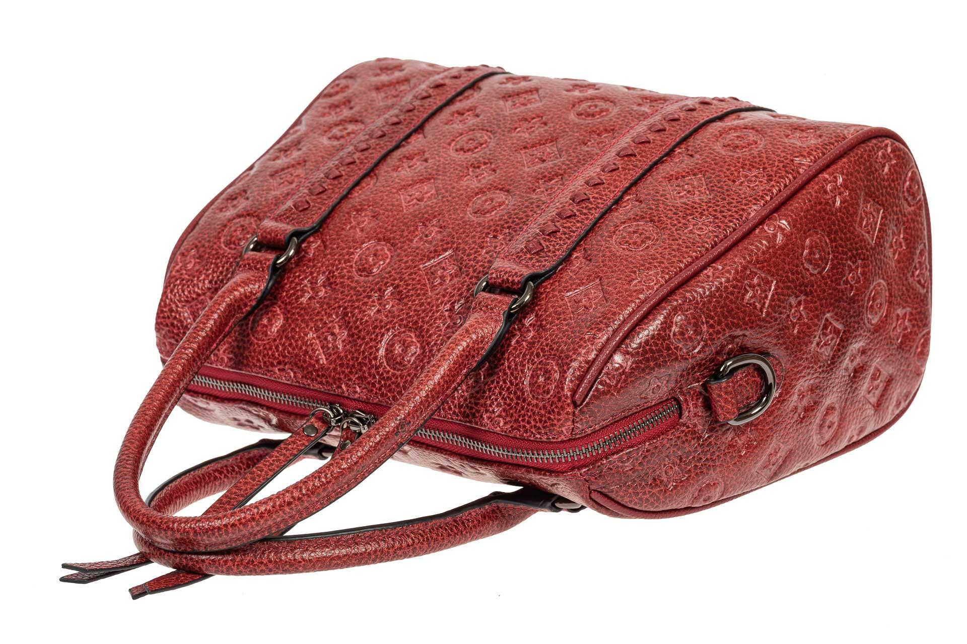 На фото 4 - Кожаная женская сумка с тиснёным принтом, цвет красный