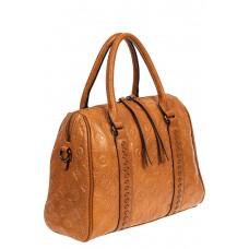 На фото 1 - Кожаная женская сумка с тиснёным принтом, цвет рыжий