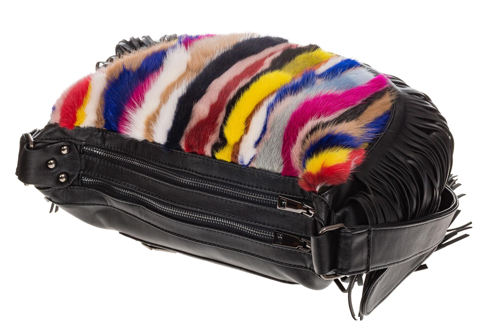 На фото 4 - Меховая сумка хобо с бахромой, вертикальный мультицвет