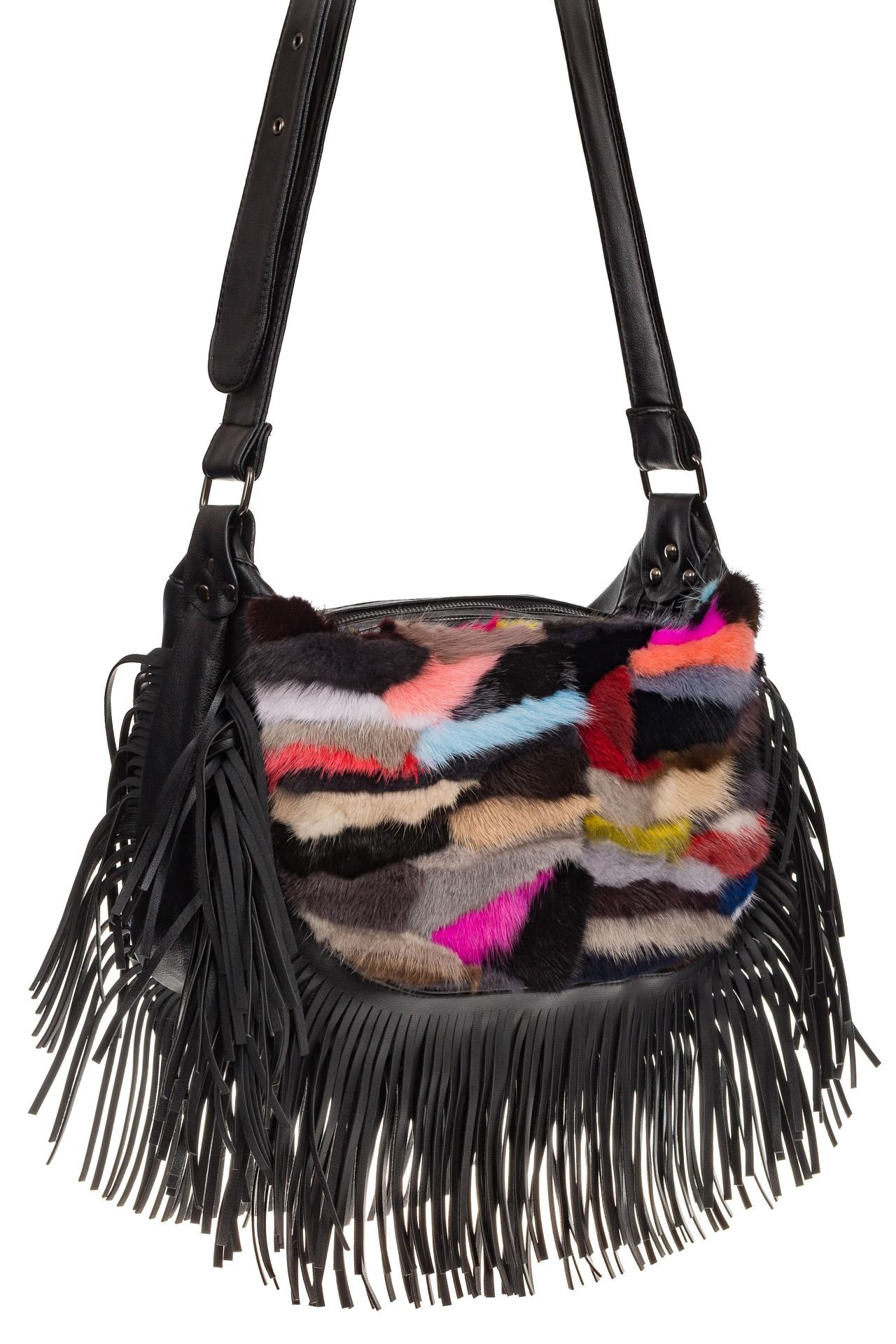 На фото 1 - Меховая сумка хобо с бахромой, горизонтальный мультицвет