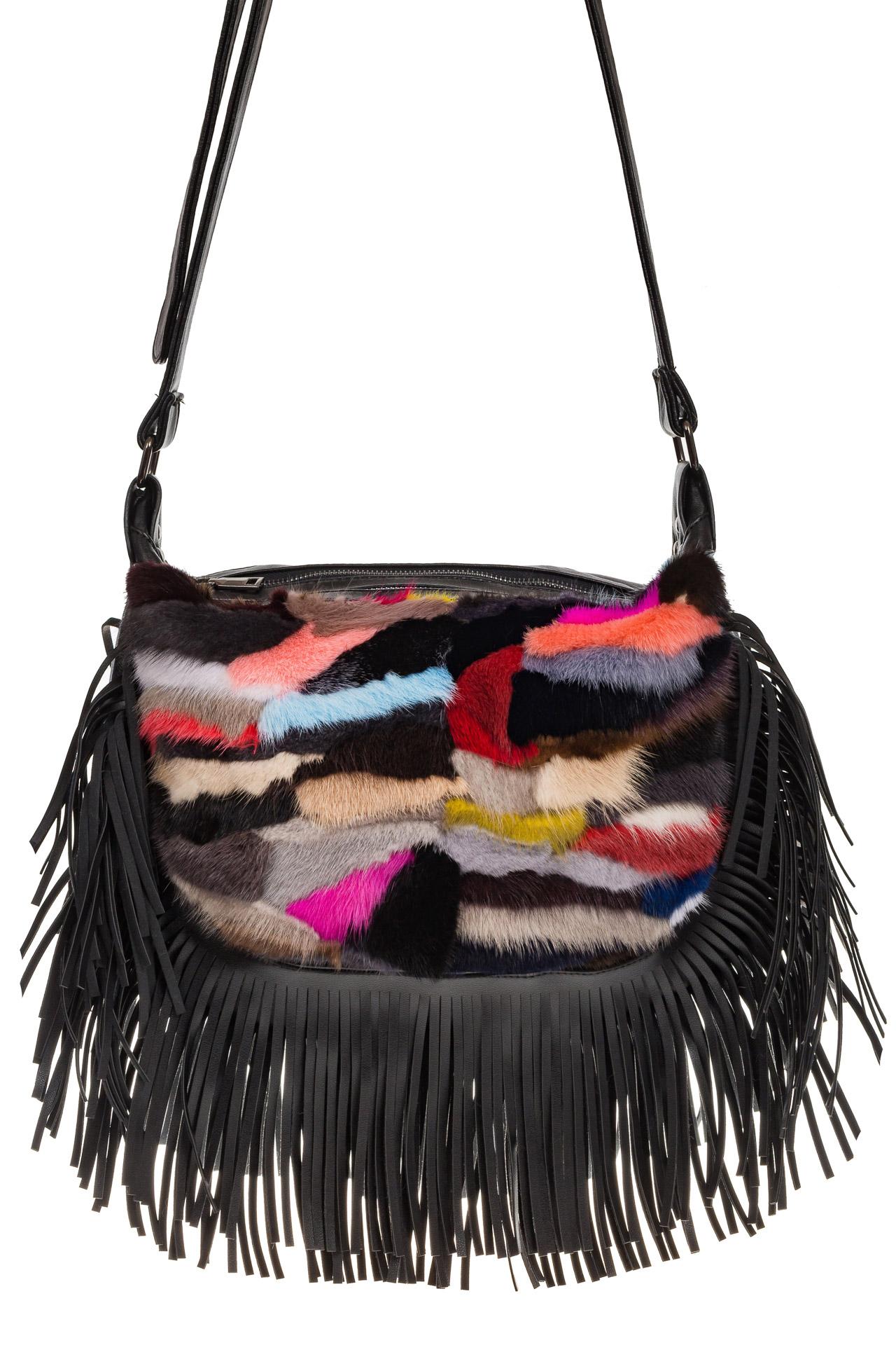 На фото 2 - Меховая сумка хобо с бахромой, горизонтальный мультицвет