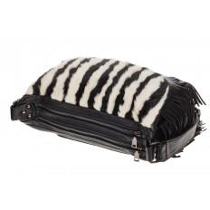 На фото 4 - Меховая сумка хобо с бахромой, зебра