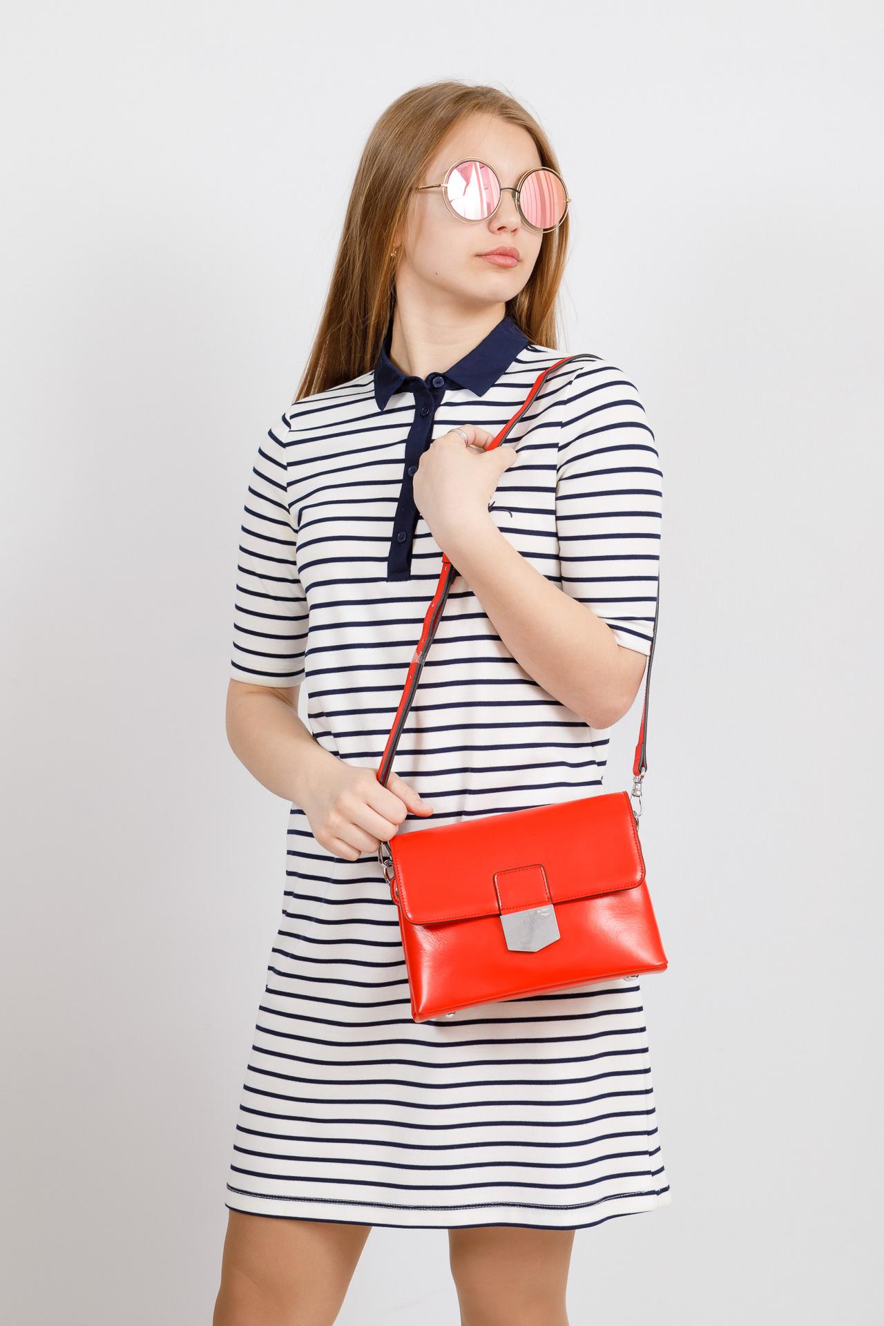 На фото 4 - Сумка-портфель из натуральной кожи, цвет красный