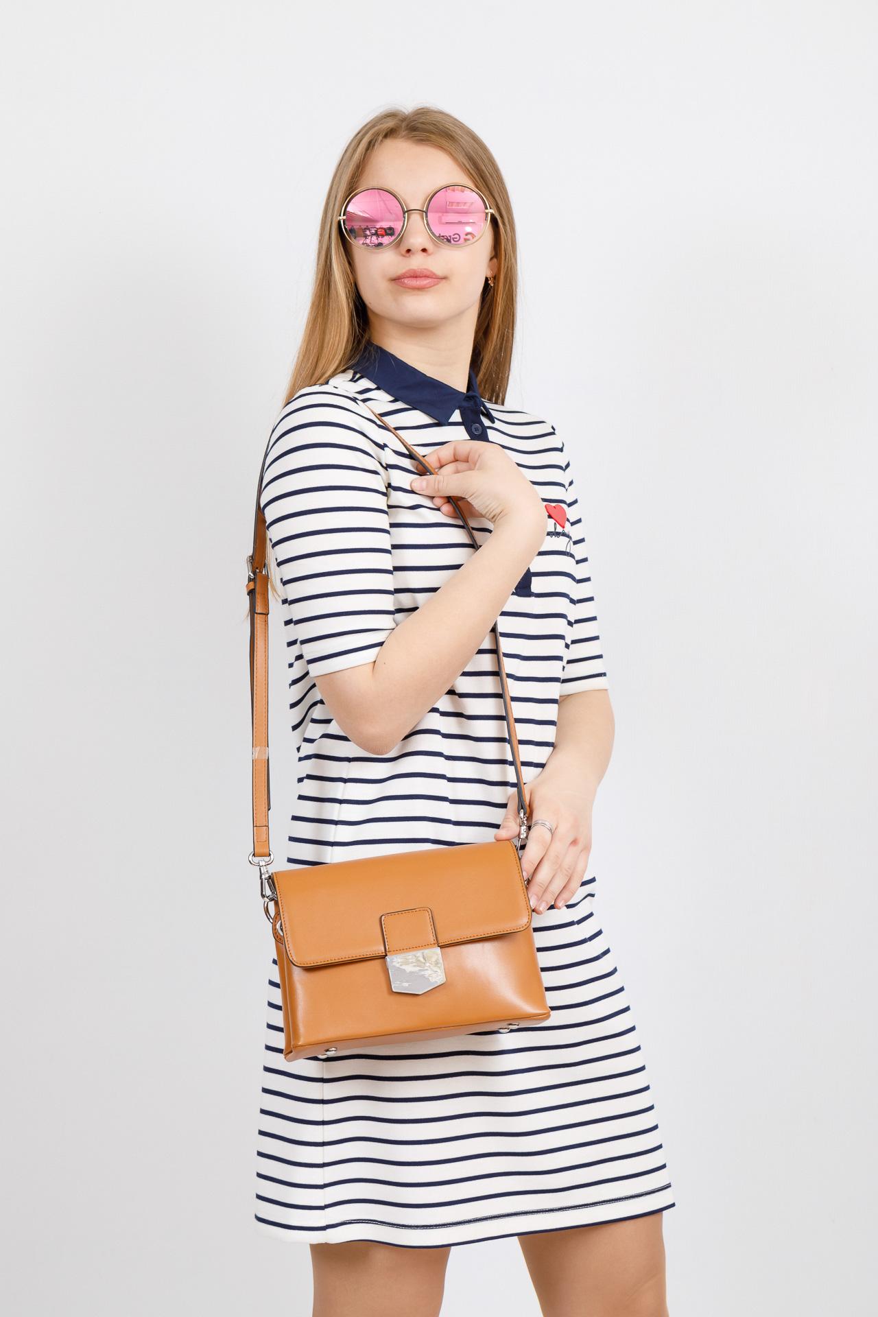 На фото 4 - Сумка-портфель из натуральной кожи, цвет коричневый