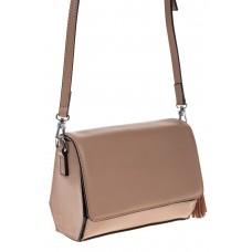 на фото Маленькая сумочка из натуральной кожи бежевого цвета 8002MK5