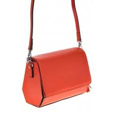 на фото Маленькая сумочка из натуральной кожи красного цвета 8002MK5