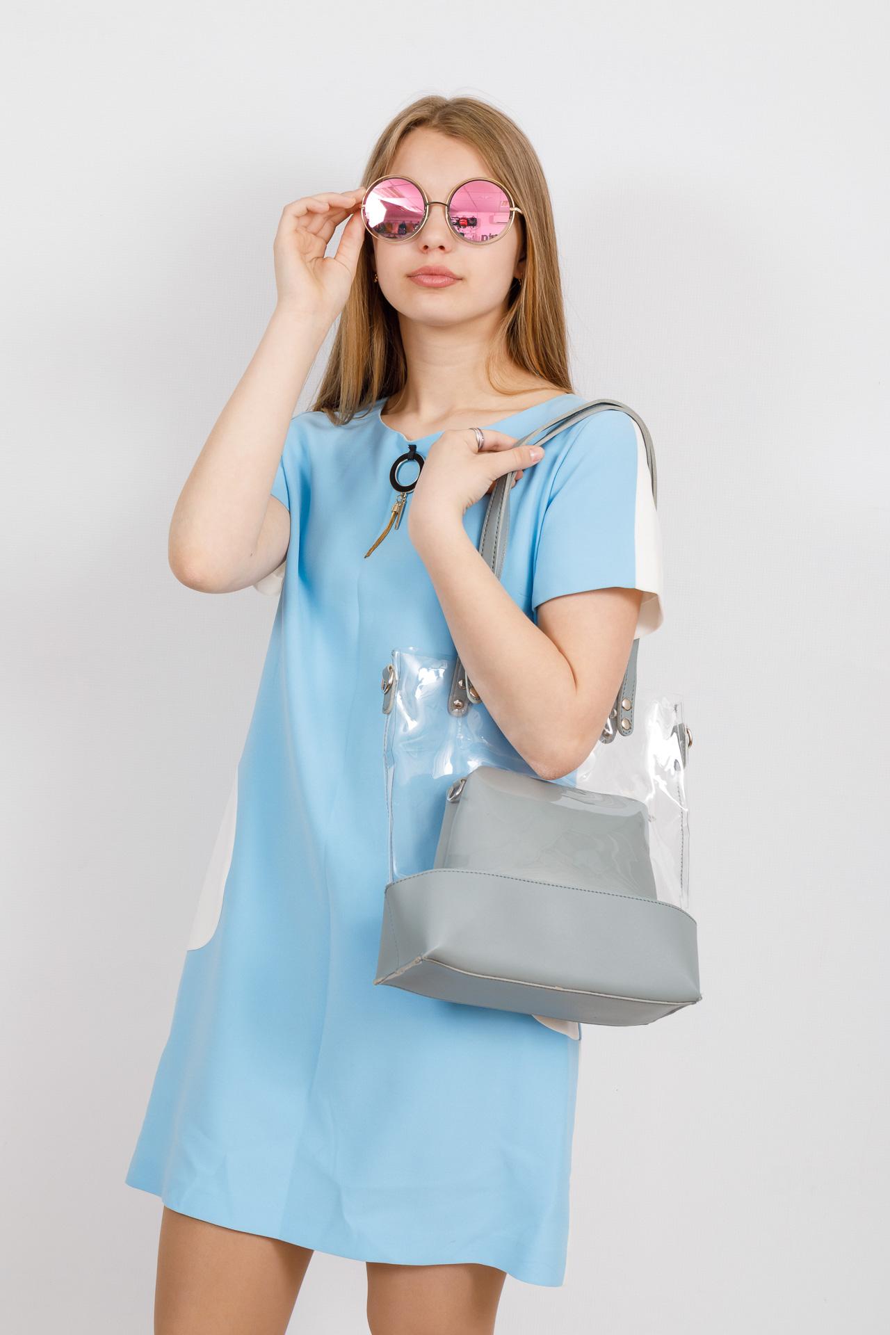 На фото 4 - Прозрачный шоппер из винила и эко-кожи, цвет голубой