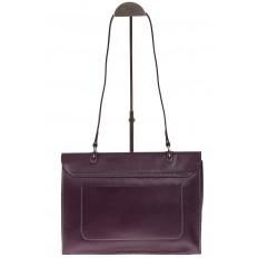 На фото 3 - Мягкая сумка из натуральной кожи фиолетового цвета