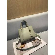 На фото 1 - Женская кожаная сумка тоут, цвет бледно-зелёный