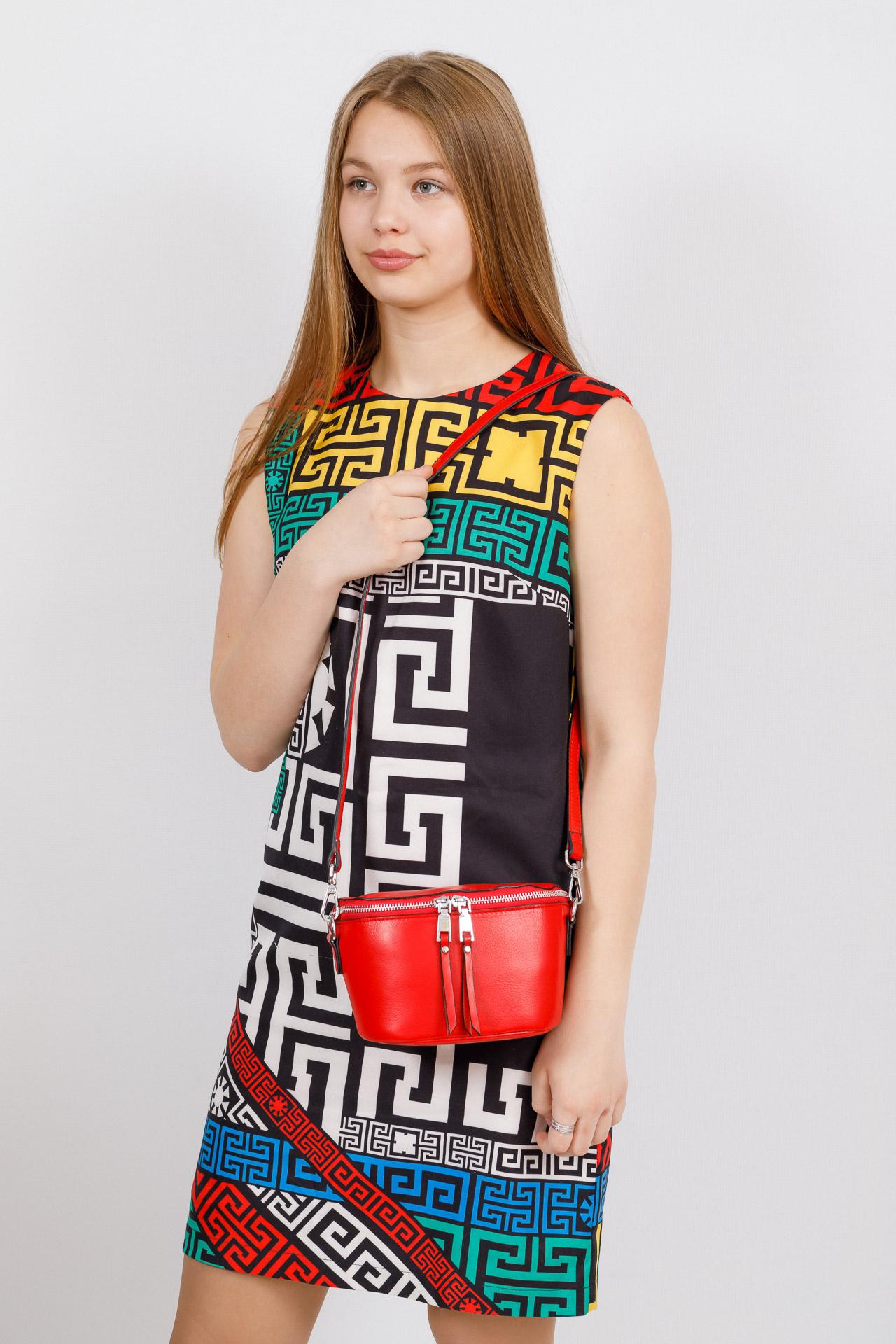 На фото 4 - Модная сумка-ведерко из натуральной кожи, цвет красный