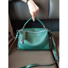 На фото 1 - Женская сумка кросс-боди из натуральной кожи, цвет зеленый