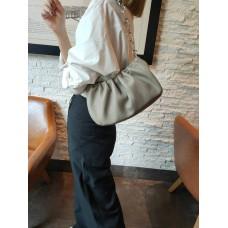 На фото 1 - Женская сумка-седло из натуральной кожи, цвет серый