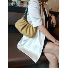На фото 1 - Женская сумка-седло из натуральной кожи, цвет горчичный