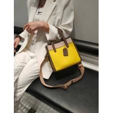 На фото 1 - Женская сумка кросс-боди из натуральной кожи, цвет  желтый+бежевый+коричневый