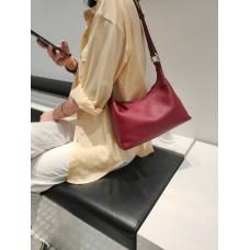 На фото 1 - Женская кросс-боди из фактурной натуральной кожи, цвет красный