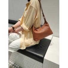 На фото 1 - Женская кросс-боди из фактурной натуральной кожи, цвет рыжий
