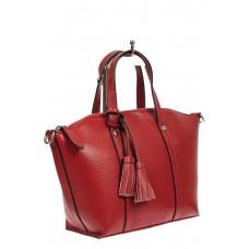 На фото 1 - Небольшая сумка-трапеция из натуральной кожи с подвеской-кисточкой, цвет красный