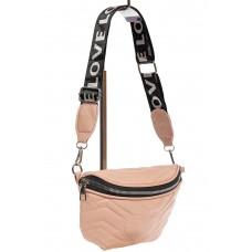 На фото 1 - Женская сумка-бананка из мягкой искусственной кожи, цвет розовый